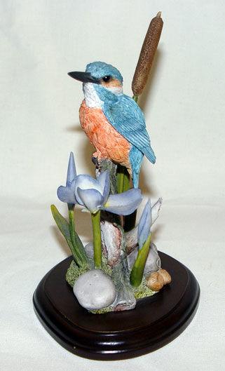 Image de Kingfishers with Blue Iris and Bulrush